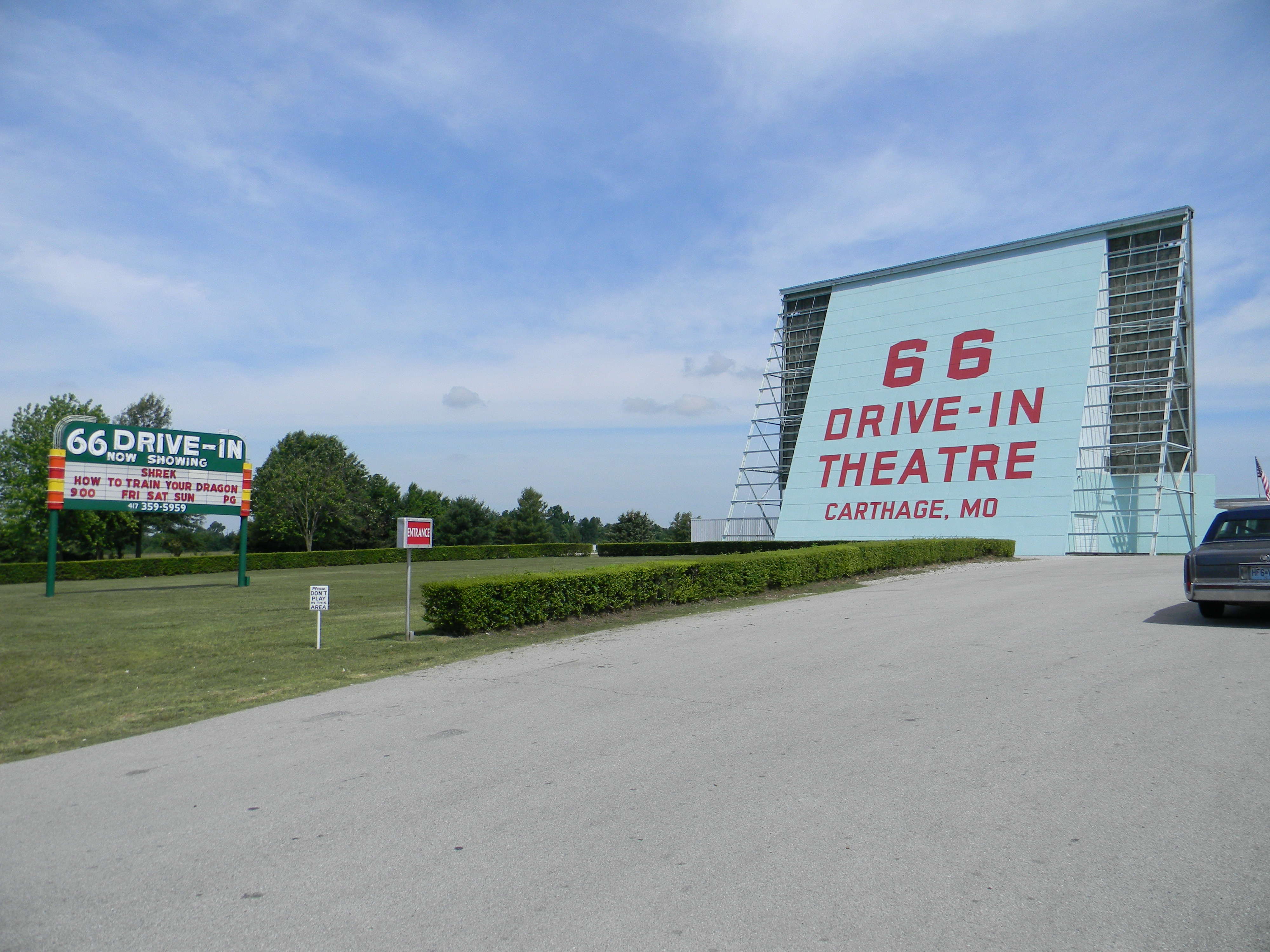 Carthage_Route_66_Drive-in