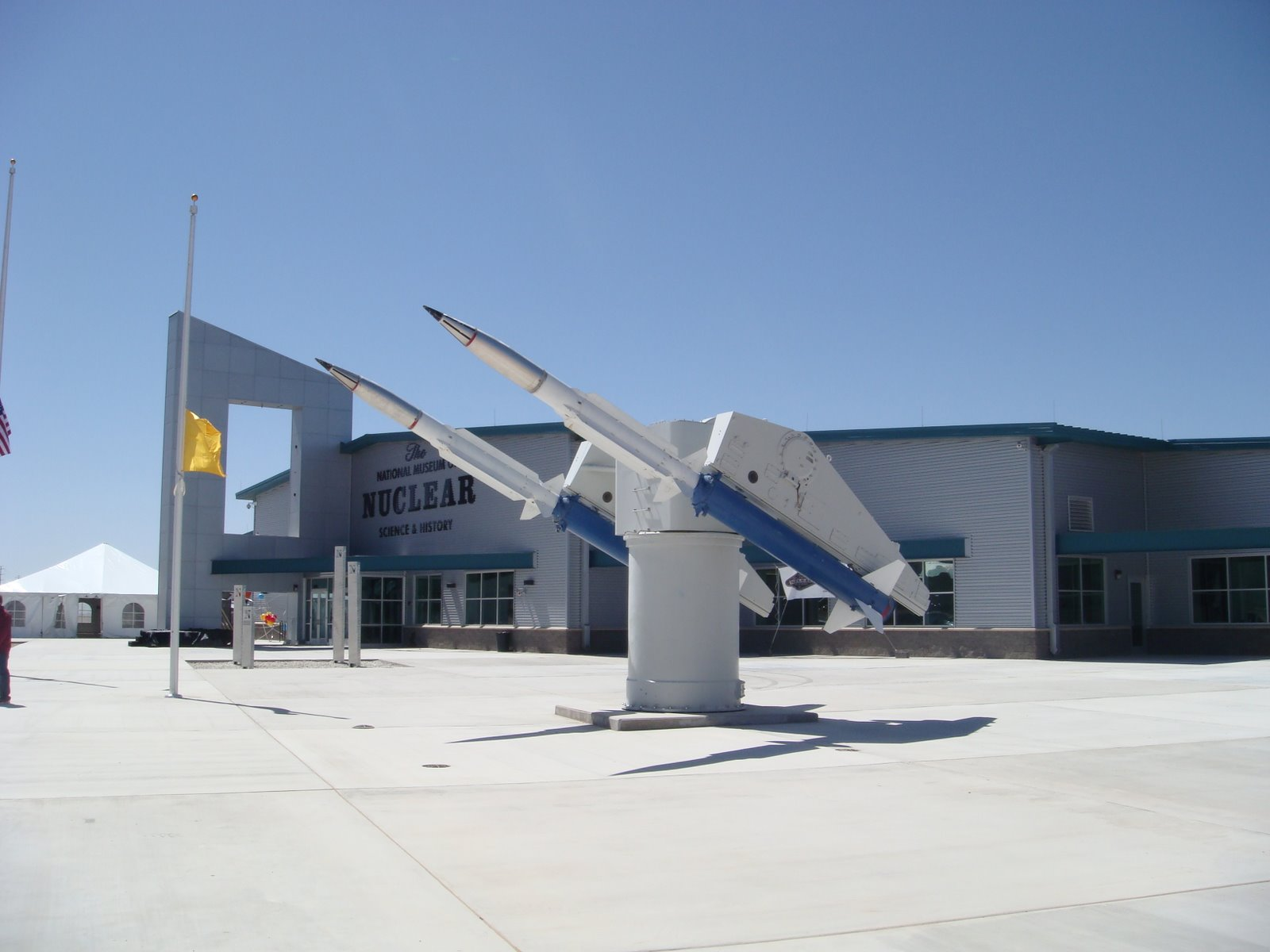 Missiles_in_front_of_the_National_Museum_of_Nuclear_Science_&_History